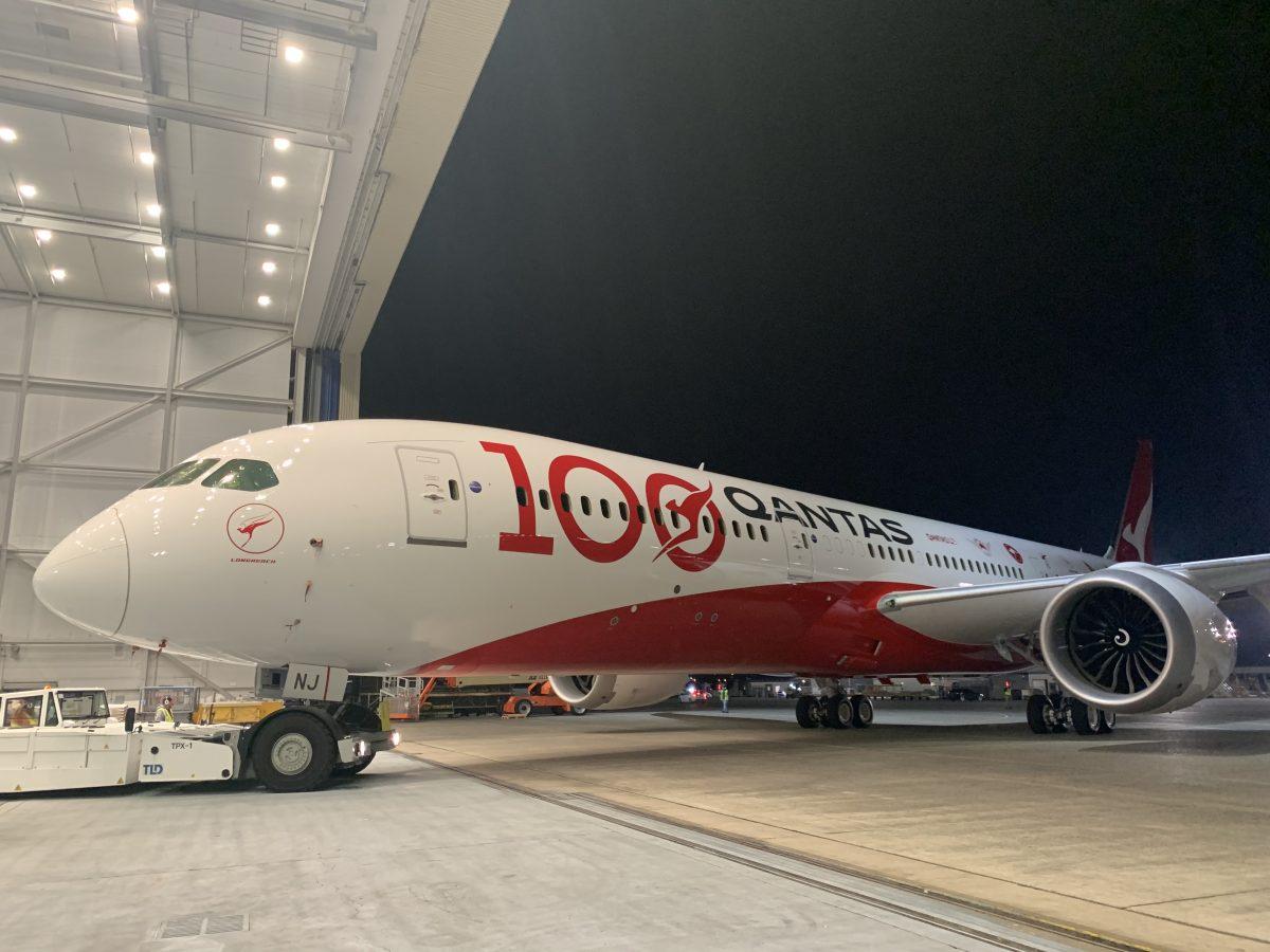 Boeing 787-9 Dreamliner ve speciálním nátěru ke 100. výročí od založení letecké společnosti Qantas. Foto: Qantas