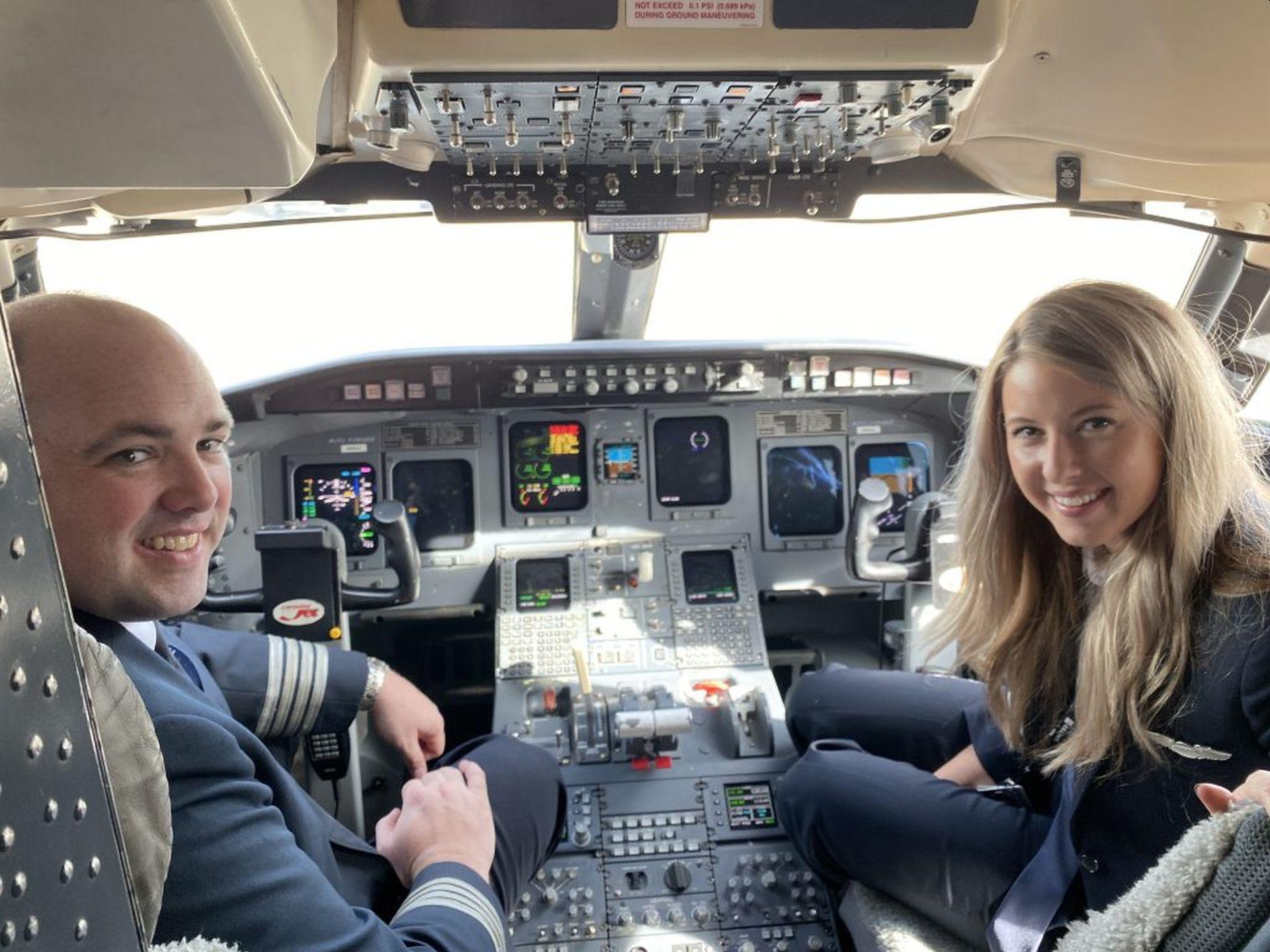 Kokpit CRJ-550. Foto: United Airlines