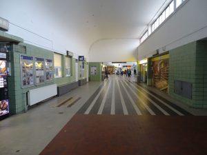 Původní stav nádraží Kolín před rekonstrukcí. Foto: ŠJů / Wikimedia Commons
