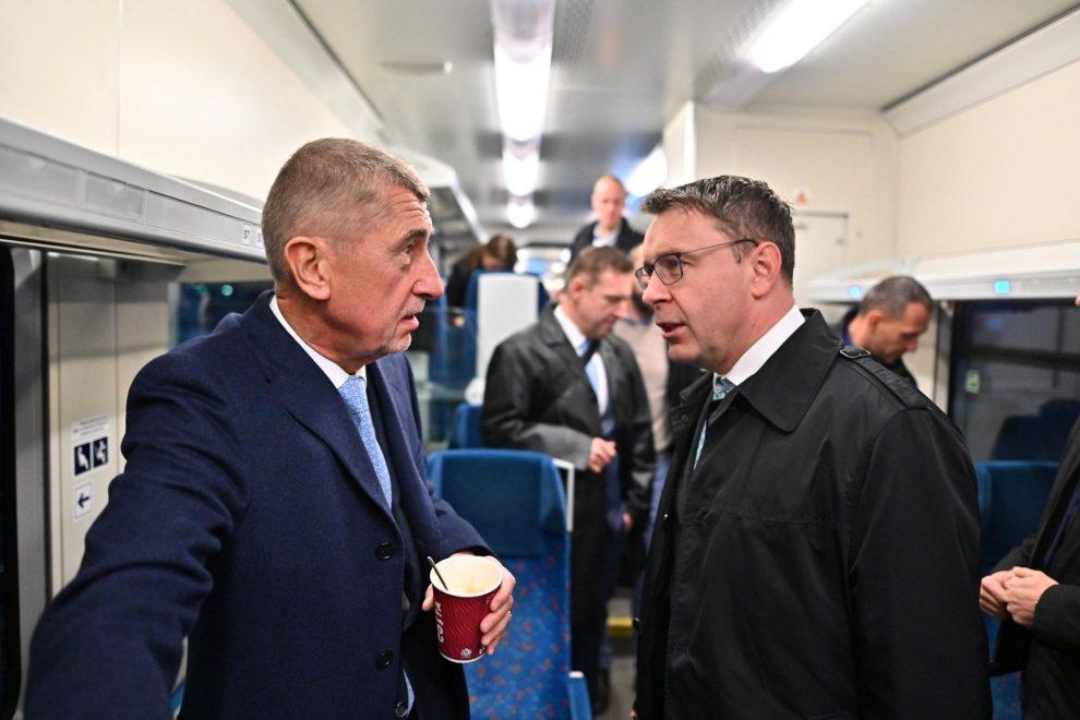 Premiér Andrej Babiš a ministr dopravy Vladimír Kremlík. Foto: Úřad vlády