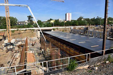 Průběh stavby 4. koridoru u Zahradního Města. Foto: Michal Chrást