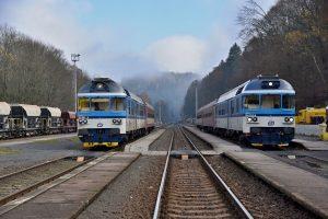 Motorové vozy 854 v Železném Brodě. Foto: Michal Chrást