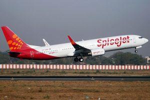 Boeing 737-900ER společnosti SpiceJet. Foto: isarg Vyas [GFDL 1.2 (http://www.gnu.org/licenses/old-licenses/fdl-1.2.html) or GFDL 1.2 (http://www.gnu.org/licenses/old-licenses/fdl-1.2.html)]