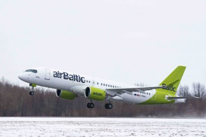 Stý Airbus A220-300 odlétá z Mirabelu. Foto: Airbus