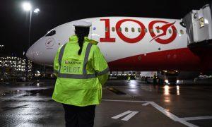 Boeing 787-9 před odletem z Londýna. Foto: Qantas
