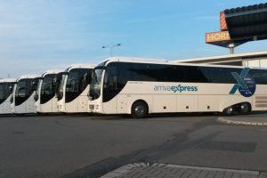 Autobusy MAN v barvách Arriva Express. Foto: Arriva