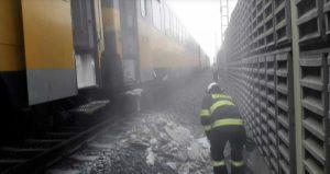 Požár RegioJetu na koridoru o obce Zvole. Foto: HZS Olomouckého kraje