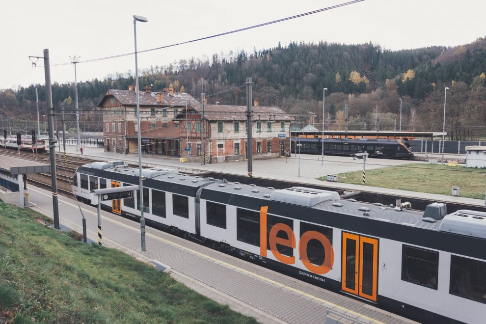 Alstom Lint v barvách Leo Express v Ústí nad Orlicí. Foto: Leo Express