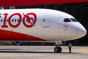 Boeing 787-9 po přistání v Sydney. Foto: Qantas