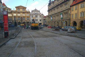 Oprava tramvajové trati na Malostranském náměstí v roce 2018. Foto: Jan Sůra