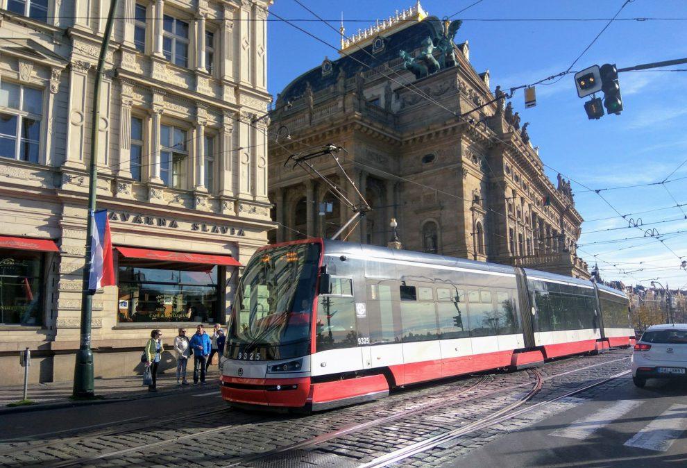 Provoz na Smetanově nábřeží. Foto: Jan Sůra