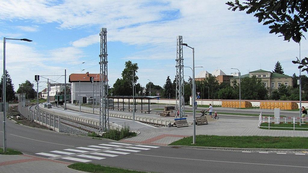Nádraží Židlochovice po modernizaci. Autor: DanDIYY – Vlastní dílo, CC BY-SA 4.0, https://commons.wikimedia.org/w/index.php?curid=81472860