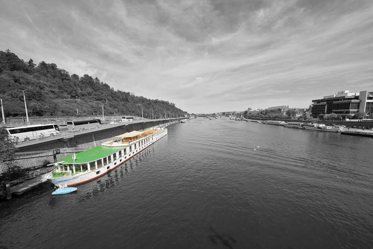 Hotelová loď Florentina v Praze. Pramen: florentinaboat.cz