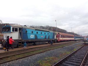 Osobní vlak z Turnova do Prahy v Mladé Boleslavi. Foto: David Schindler
