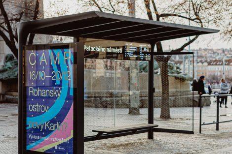 Zastávka pražské MHD v novém designu na Palackého náměstí. Pramen: IPR Praha