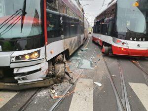 Srážka tramvají křižovatce ulic Bělehradská, Šafaříkova a Bruselská v Praze 2. Foto: Policie