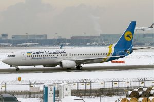Boeing 737-800 společnosti Ukraine International Airways. Foto: Konstantin von Wedelstaedt / Wikimedia Commons