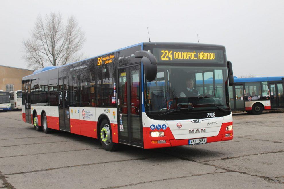 Autobus MAN Lion's City v barvách Arrivy. Foto: dopravacek.eu