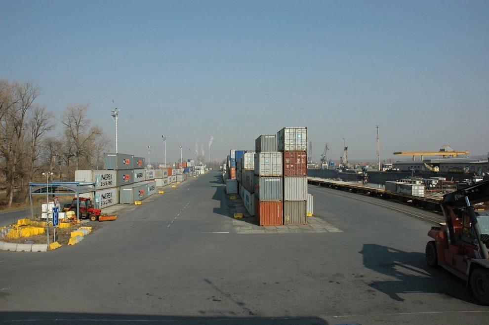 Intermodální terminál Mělník. Pramen: Autor: Petr Štefek – Vlastní dílo, CC BY 3.0, https://commons.wikimedia.org/w/index.php?curid=48941996