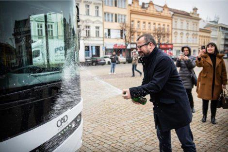 Nové autobusy pro kolínskou MHD. Foto: OAD Kolín