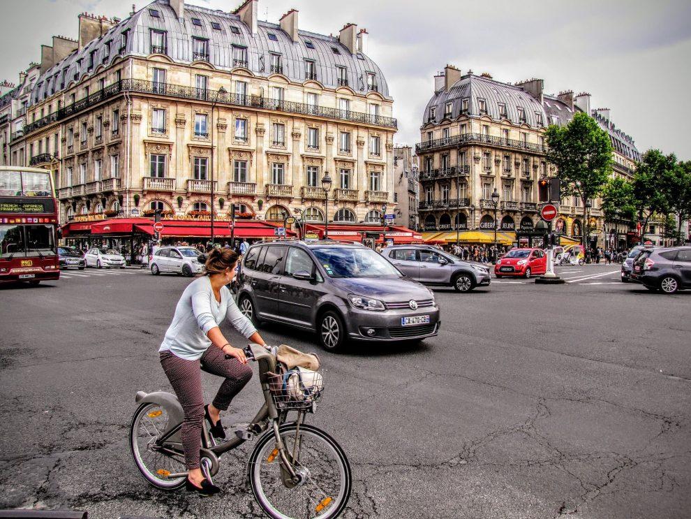 Jízdní kolo v Paříží. Foto: Pixabay.com