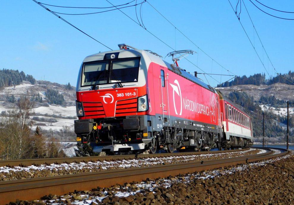 Lokomotiva Siemens Vectron v barvách ZSSK. Foto: ZSSK