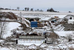 Stavba tunelu Mezno. Tunel bude mít délku 840 metrů, jeho ražená část 767 metrů. Autor: Správa železnic