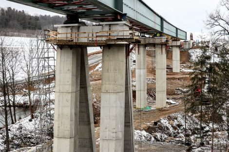 Pilíře mají výšku 21 metrů. Autor: Správa železnic