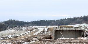Pohled zpět k Sudoměřicím. Zmíněný oblouk o poloměru 1400 metrů je z tohoto pohledu mnohem lépe patrný. Autor: Správa železnic