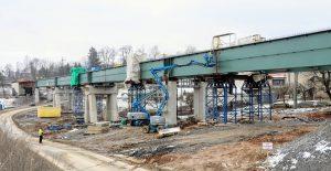 Dva středové pilíře tvaru A. Autor: Správa železnic