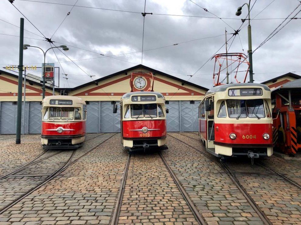 Tramvaje T2 ve střešovické vozovně. Foto: Daniel Šabík