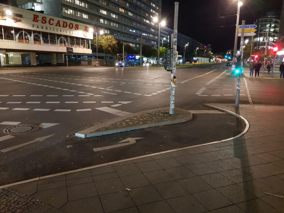 Křižovatka na Alexanderplatz v Berlíně. Foto: Jan Sůra