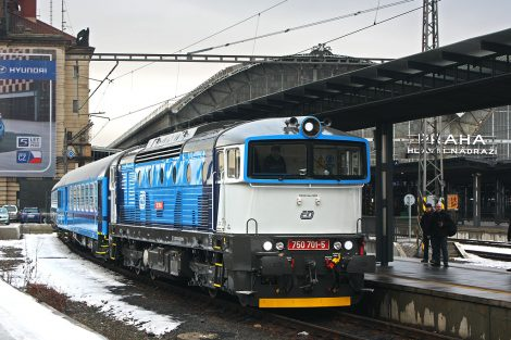 Lokomotiva 750.7, která by měla tahat/tlačit nové soupravy Škody Vagonka. Autor: Bc. Fiip Španihel – Vlastní dílo, CC BY-SA 3.0, https://commons.wikimedia.org/w/index.php?curid=16052786