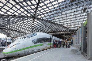 Jednotka ICE 3 v Kolíně nad Rýnem. Foto: Deutsche Bahn AG / Axel Hartmann