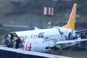 Nehoda letadla Pegasus Airlines v Istanbulu. Pramen: Anadolu
