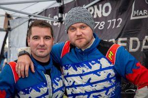 Július Lapdavský (vpravo) se svým bratrem Lukášem. Foto: Facebook Deštruprojekt Racing