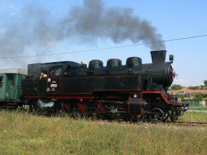 Parní lokomotiva 433.002 (Matěj). Autor: P.matel – Vlastní dílo, CC BY-SA 3.0, https://commons.wikimedia.org/w/index.php?curid=14796009