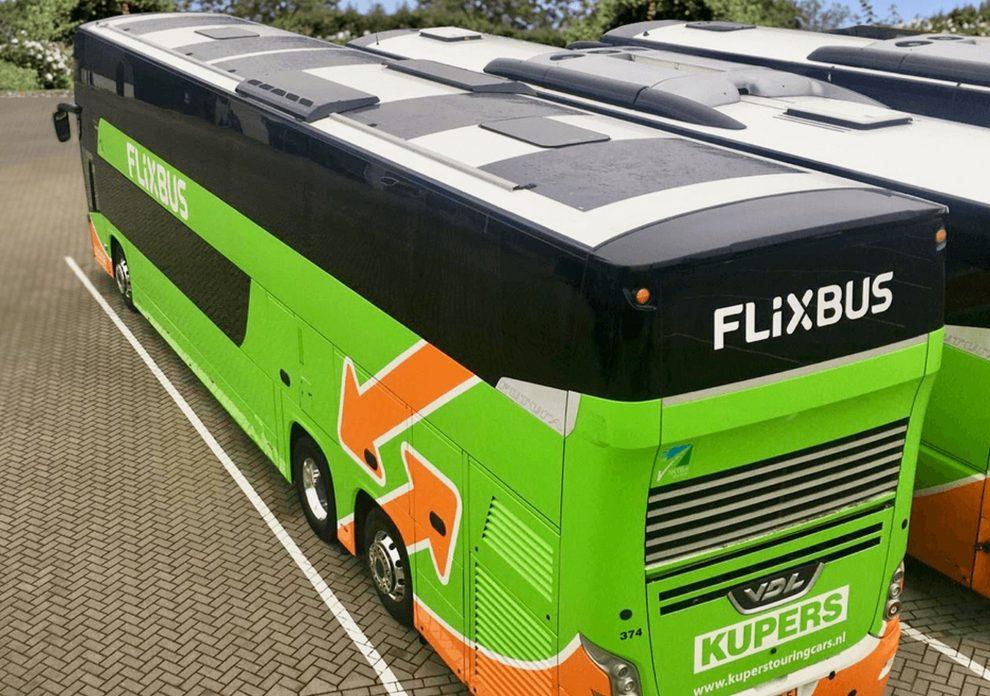 Solární panely na střeše autobusu VDL. Foto: FlixBus