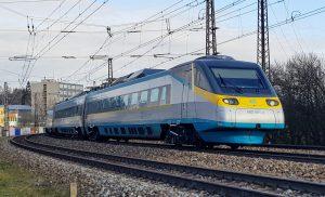 Jednotka řady 680 Pendolino u České Třebové. Foto: Jan Sůra