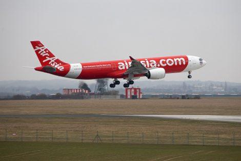 Airbus A330-900 (A330neo) společnosti AirAsia X v Praze. Foto: Lukáš Novák