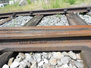 Výhybka v Mikulovicích, rok výroby 1887. Pramen: Správa železnic