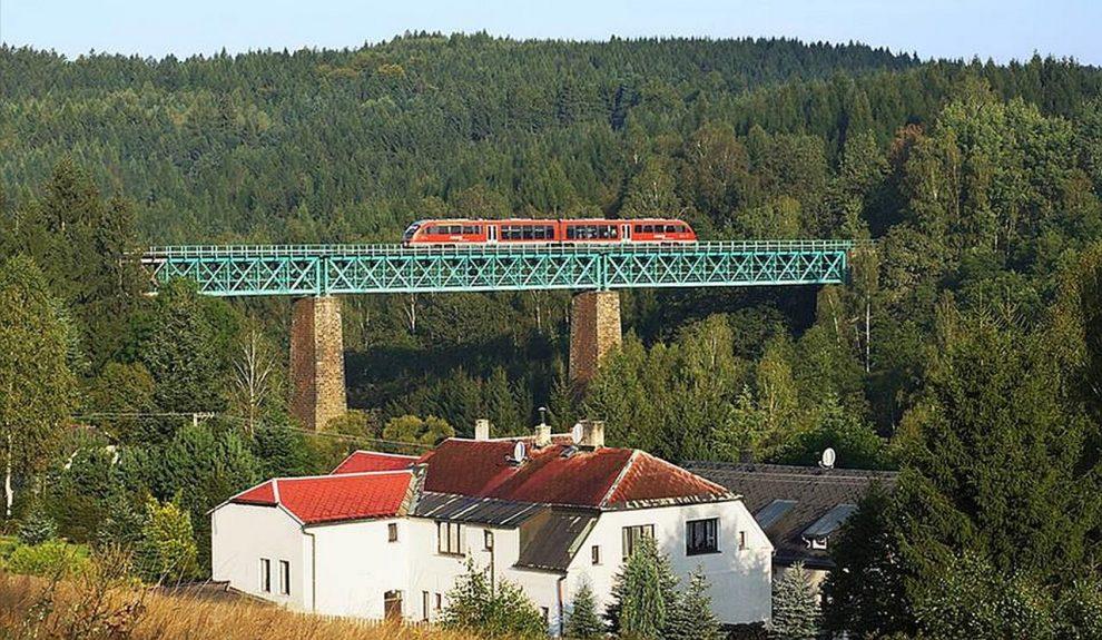 Železniční most ve Vilémově u Šluknova. Pramen: Správa železnic