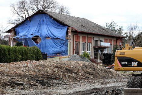 Stanice Bohuňovice a demolicce služebního bytu. Pramen: Správa železnic