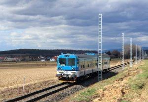 Motoráky budou na trati Olomouc - Uničov brzy vystřídány elektrikami. Pramen: Správa železnic
