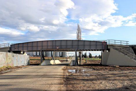 Nový most před Uničovem umožní vlaku rychlost až 160 km/h. Pramen: Správa železnic