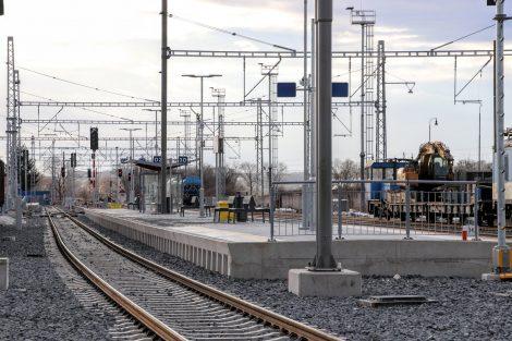 Stanice Uničov s novým nástupištěm. Pramen: Správa železnic