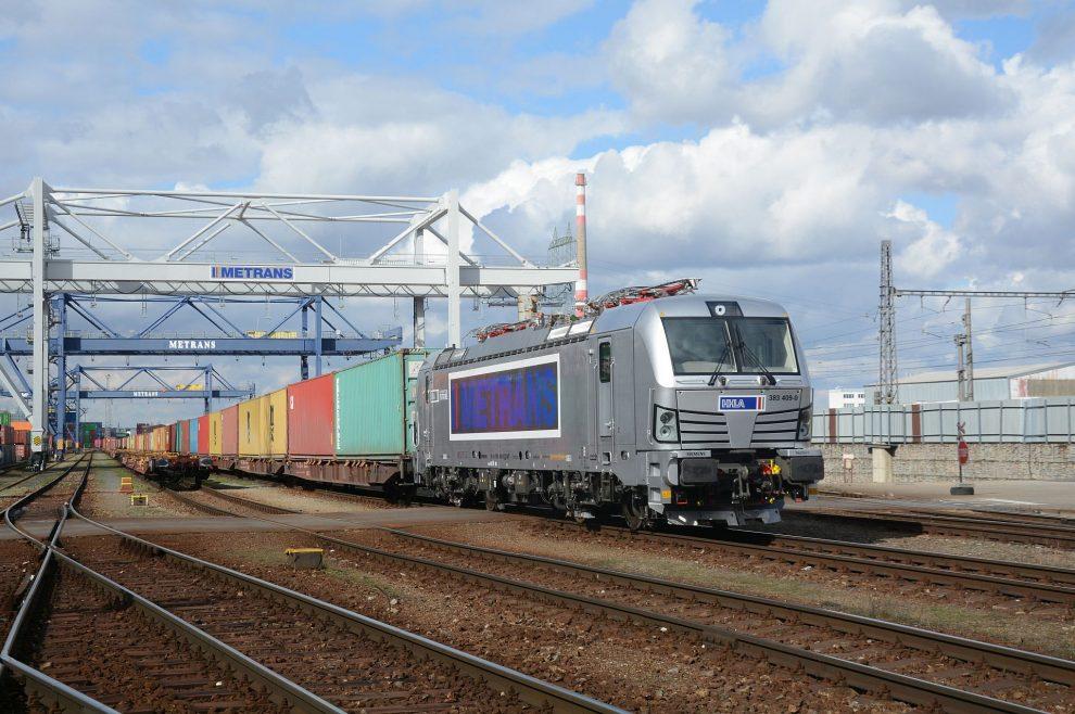 Lokomotiva Siemens Vectron v barvách Metransu. Pramen: Siemens Mobility