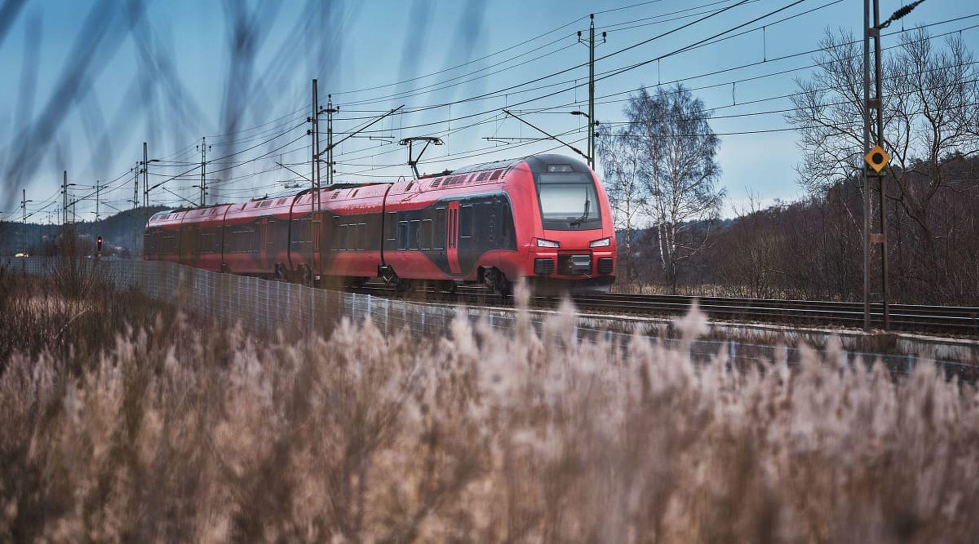 Elektrická jednotka Stadler Flirt společnosti MTR Express. Foto: MTRX