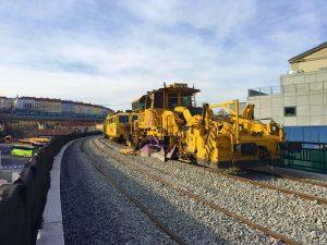 Pokládání kolejí na Negrelliho viaduktu. Foto: Strabag