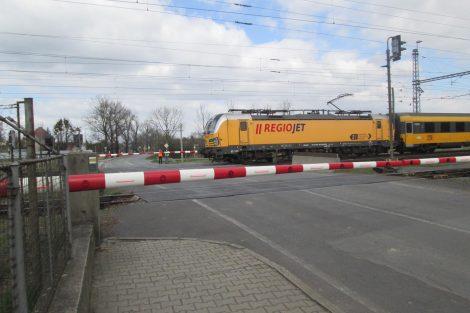 Přejezd, Studénka. Pramen: Správa železnic